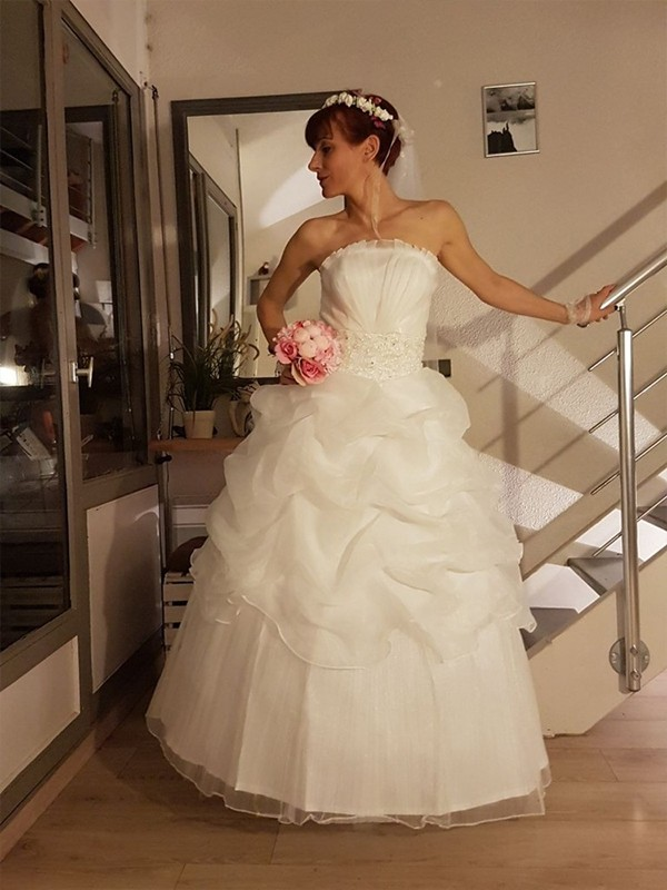 Ball Gown Strapless Tulle Sleeveless Floor-Length Wedding Dresses