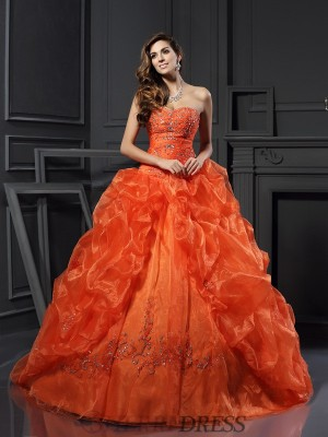 Ball Gown Sweetheart Organza Sleeveless Court Train Prom Dresses