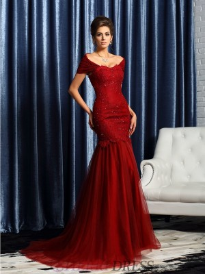Trumpet/Mermaid Off-the-Shoulder Satin Short Sleeves Sweep/Brush Train Mother of the Bride Dresses