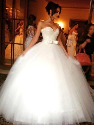 Ball Gown Sweetheart Tulle Sleeveless Floor-Length Wedding Dresses