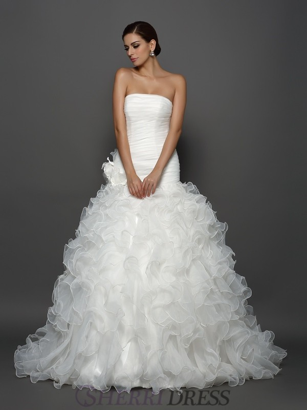 Ball Gown Strapless Organza Sleeveless Cathedral Train Wedding Dresses