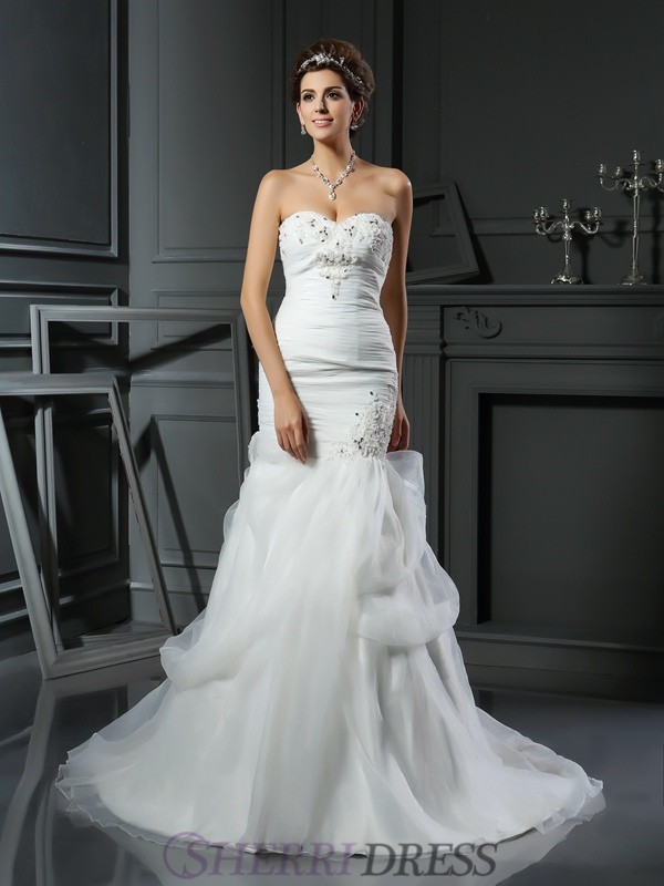 Trumpet/Mermaid Sweetheart Net Sleeveless Chapel Train Wedding Dresses