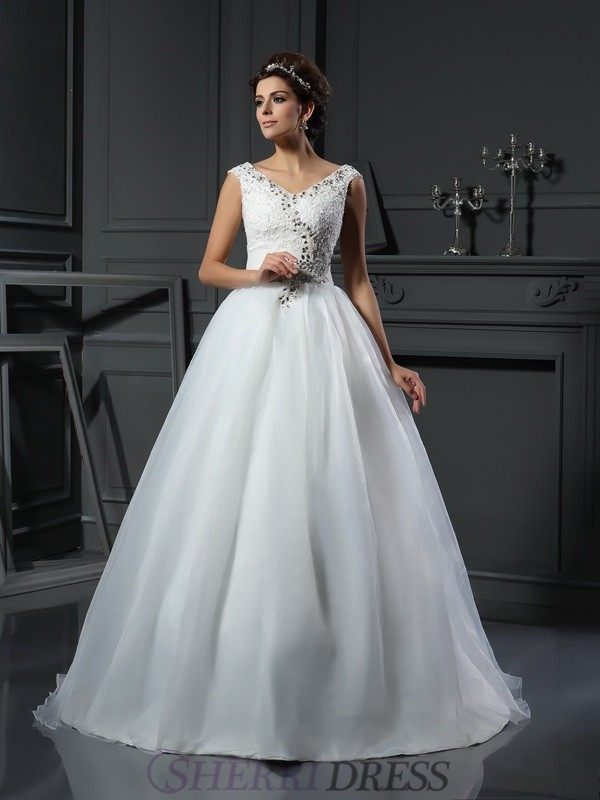 A-Line/Princess V-neck Organza Sleeveless Chapel Train Wedding Dresses