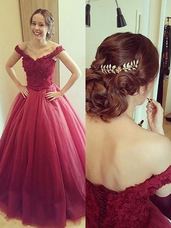 Ball Gown Off-the-Shoulder Tulle Sleeveless Court Train Prom Dresses
