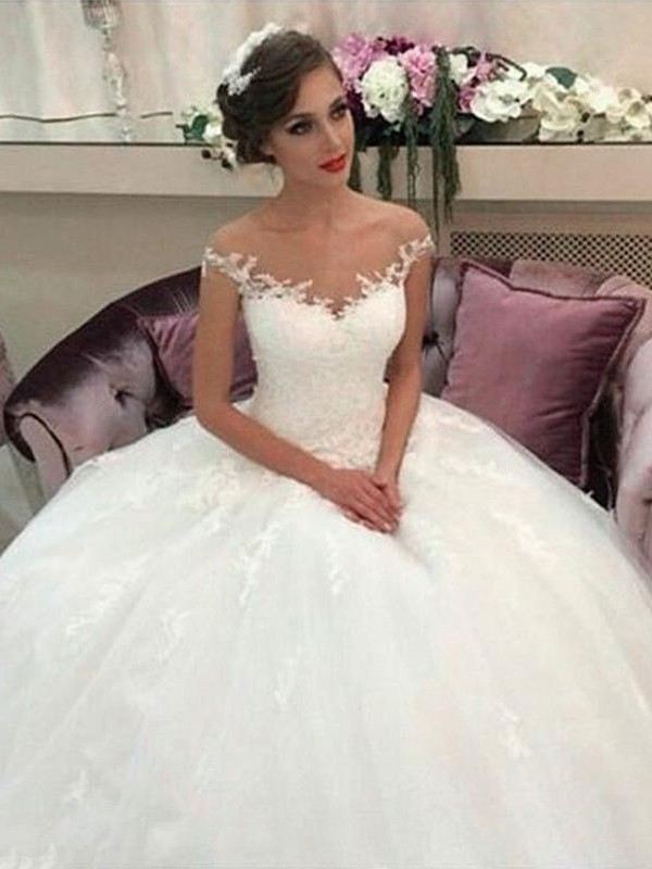 Ball Gown Off-the-Shoulder Tulle Sleeveless Court Train Wedding Dresses